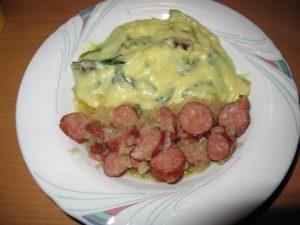Kartoffelpühhh mit Endiviensalat und Wurst