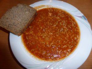 Reissuppe mit Brot
